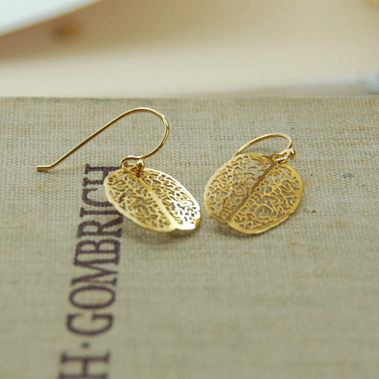 Brain earrings in gold by Delftia Science Jewelry