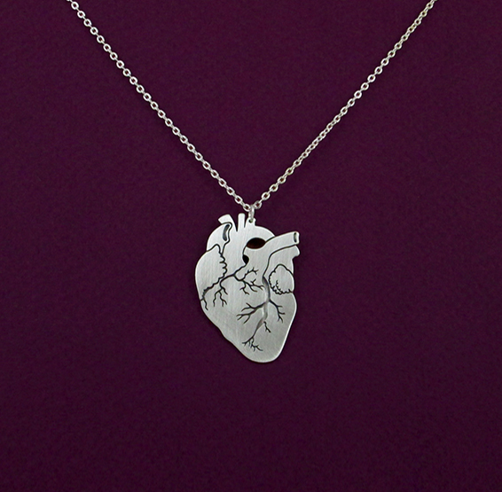 Anatomical heart in silver by Delftia science jewelry
