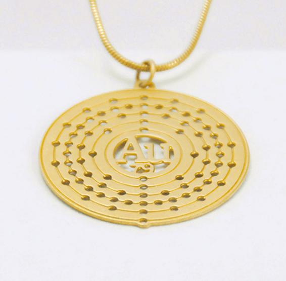 Au Gold atom necklace