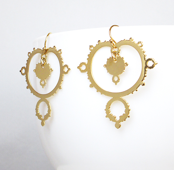 Mandelbrot fractals earrings in gold by Delftia Science jewelry