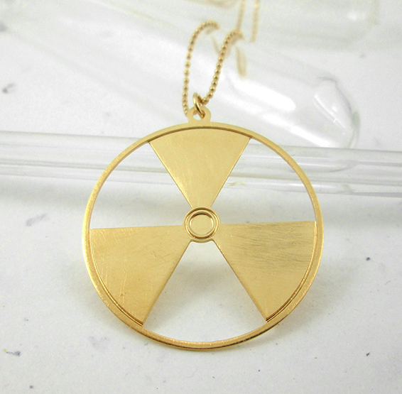 Radioactive gold necklace by Delftia science jewelry