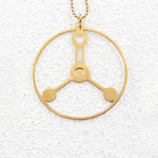 Formalin-molecule-necklace-in-gold-by-Delftia-Science-Jewelry