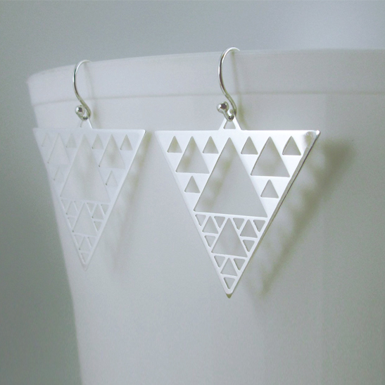 Sierpinski-earrings-in-silver-by-Delftia-Science-Jewelry